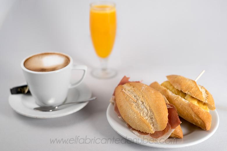 Fotografía del desayuno del Bar Mr Dumbo (Zaragoza)