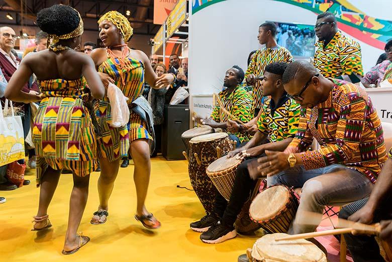 Música y baile en el Stand de Ghana de la Feria Internacional de Turismo de Madrid